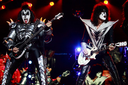 Maskenmänner - Fotos: Kiss live bei Rock im Revier 2015