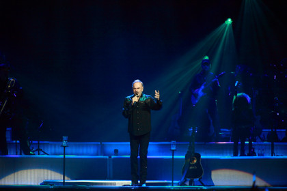Gefeiert - Fotos: Neil Diamond live in der Lanxess Arena in Köln