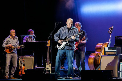 Alle Facetten - Fotos: Mark Knopfler live in der SAP Arena in Mannheim