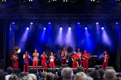 Intelligent - Fotos: Moop Mama live bei Worms: Jazz & Joy 2015